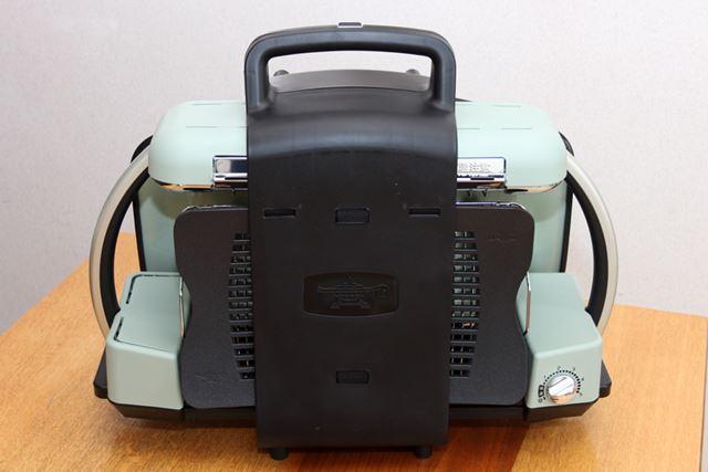 収納サイズは550(幅)×430(高さ)×242(奥行)mm。収納バッグも付属します