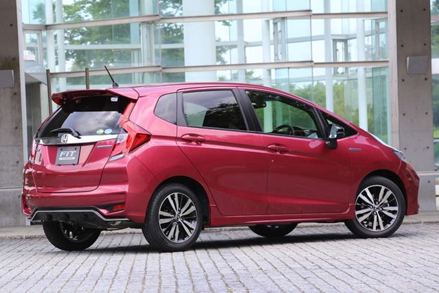 (画像)新型フィット HYBRID・S Honda SENSING [外装色:ルージュアメジスト・メタリック]