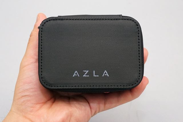 「AZLA」の付属ケース