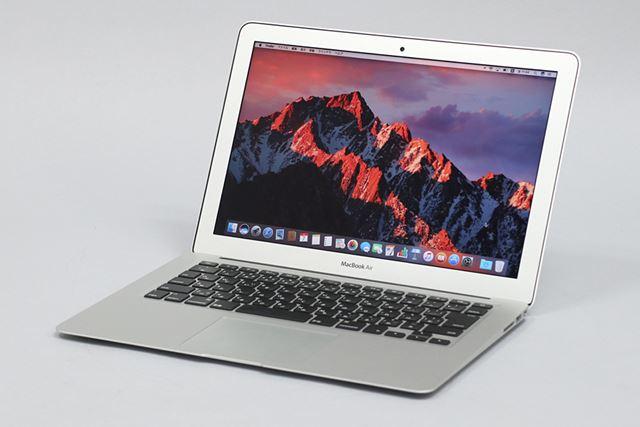 MacBook Airの13インチモデル。11インチモデルは販売が終了し、現在は13インチモデルが販売されている