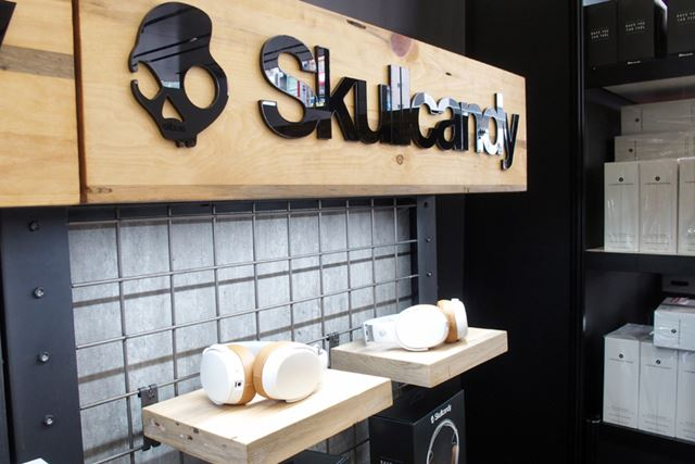 「CRUSHER WIRELESS」を中心に展示を行ったScullcandyブース