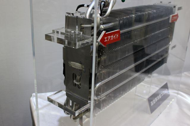 冷却器の左右にエアガイドを搭載