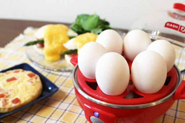 「エッグクッカー」はゆで卵以外に、ポーチドエッグやオムレツも簡単に作れます!