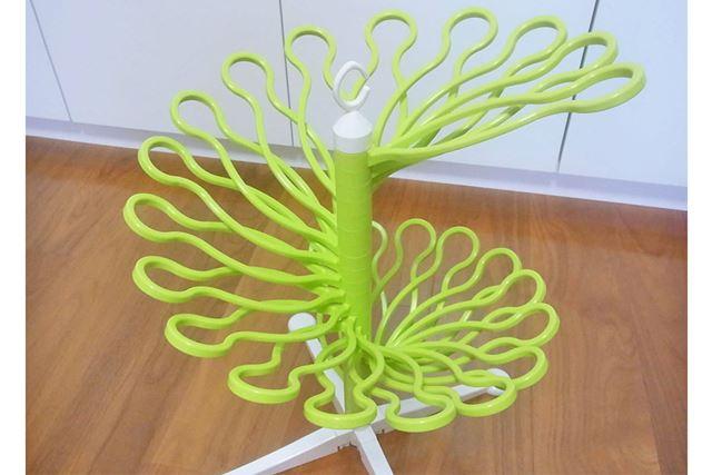 ハンガー部分は自由に動くのでいろんな形にすることができます。これは結構楽しいかも