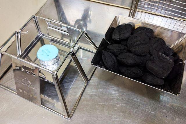 着火剤の固形燃料とメインの豆炭