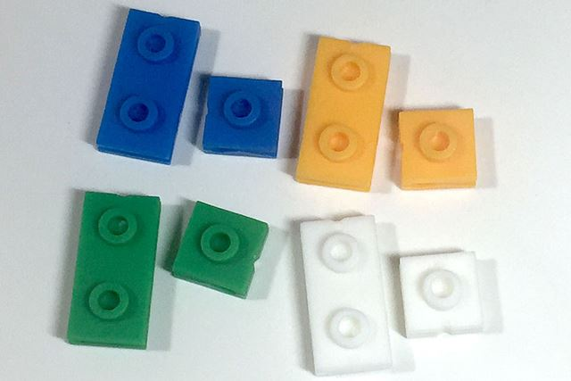 1つのパッケージに入っているのはこの2種4カラー。各3個で合計24個入っています