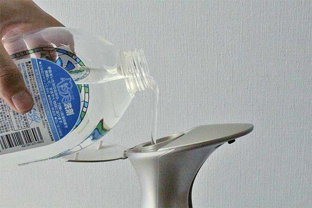液体洗剤を入れます