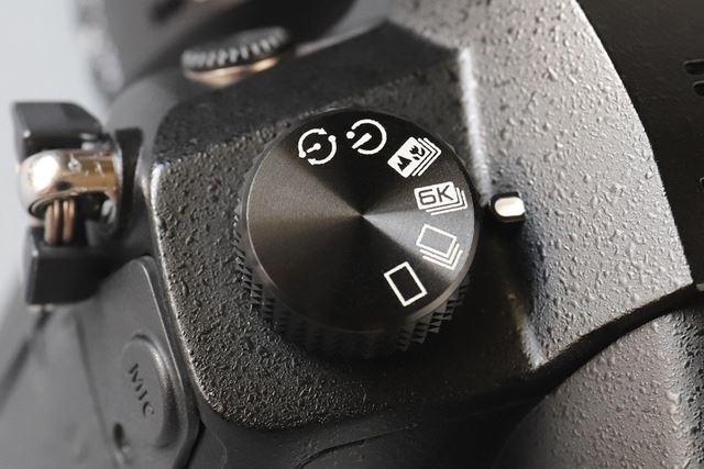 6K PHOTOはドライブダイヤルで選択する
