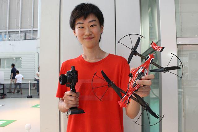 第1回「DRONE RACER OFFICIAL RACE」(7月30日の部)を制した田中歩武さん