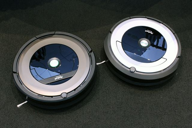 Wi-Fi搭載の新モデル、ルンバ890(左)とルンバ690(右)