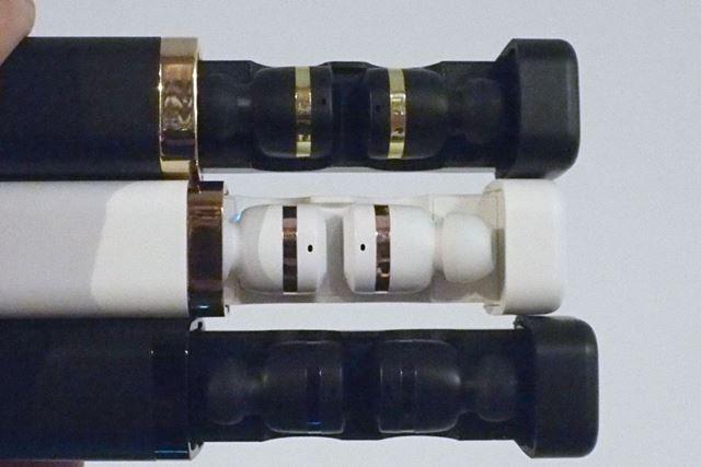 カラーバリエーションは、オニキスブラック、アイボリーホワイト、ジェットブラックの3色