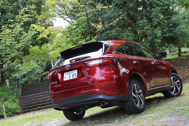 """トヨタ 新型「ハリアーターボ」フロントイメージ/試乗車のグレードは「PROGRESS """"Metal and Leather Package""""」"""