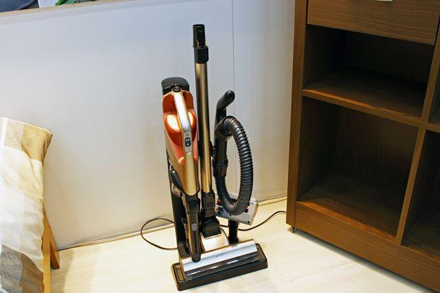 ツールは充電台にすべてセットできるようになっているので、収納に困ることはありません