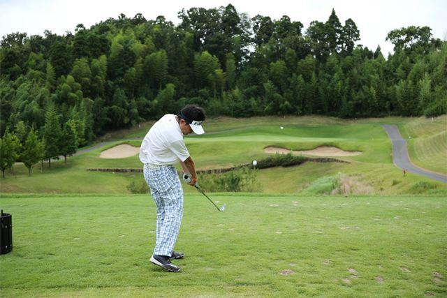 遠い目標を狙うゴルフでは、いい結果を出すために目標までの正確な距離を知る必要があります
