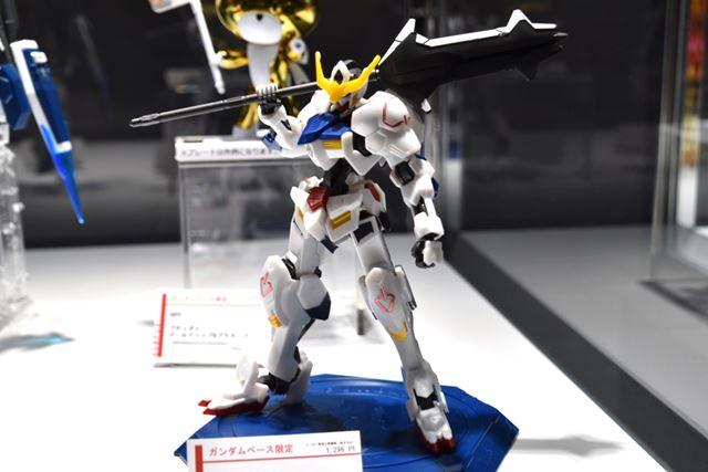 「HG 1/144 ガンダムバルバトス[メタリックグロスインジェクション]」(1,296円)