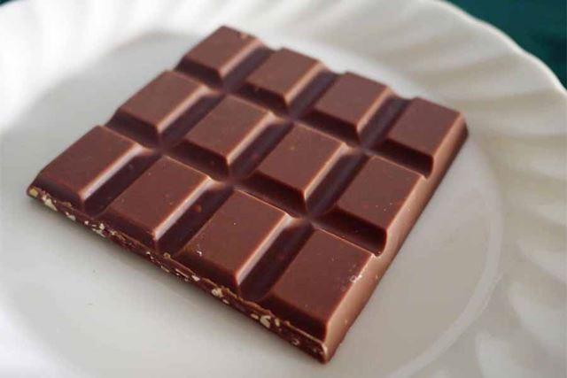 アマンドはキャラメルの風味が味わえるミルクチョコレートです。どちらも秀逸!