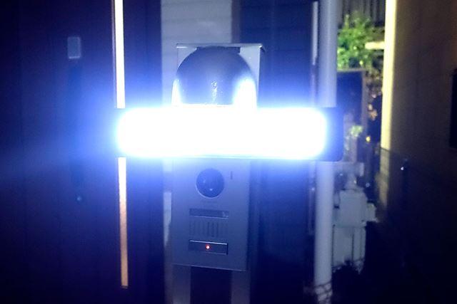 「明るさ」全開だと、なかなか衝撃的な輝きっぷりです!
