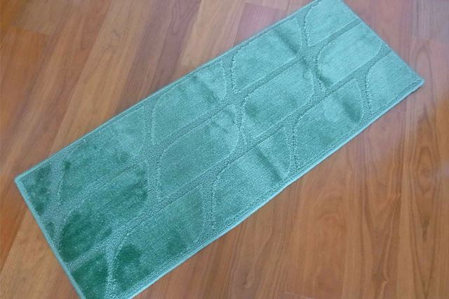 筆者が購入したのは、葉っぱをモチーフにした「グリーン」というデザインのもので、大きさは45×120cm