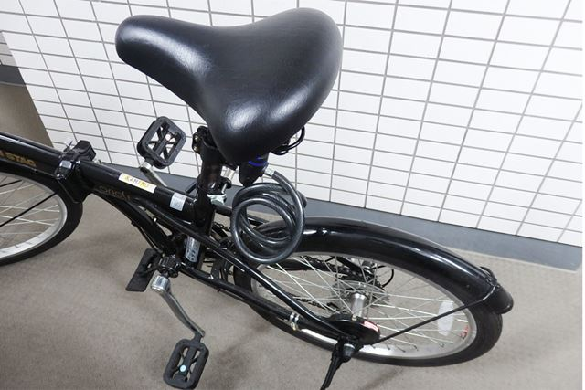 リアキャリアなしの折り畳み自転車