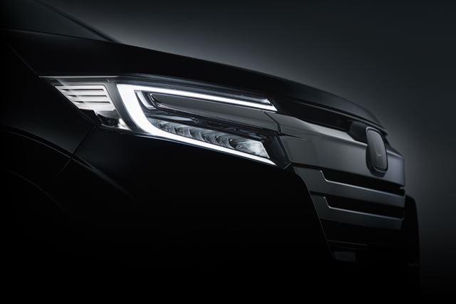 新型「ステップワゴン スパーダ」ティザーサイトで公開されている、ヘッドライト画像
