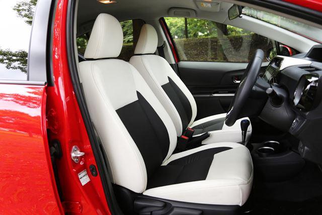 トヨタ 新型「アクアクロスオーバー」フロントシート