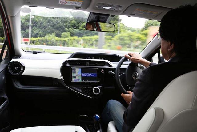 新型「アクアクロスオーバー」試乗イメージ/試乗ドライバー:渡辺陽一郎氏