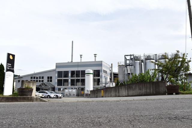 長野県佐久市にあるヤッホーブルーイングの醸造所