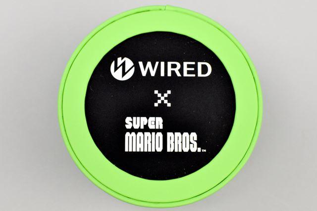 スペシャルボックスの上部には、「WIRED×スーパーマリオブラザーズ」のロゴが。とてもクールなデザインです