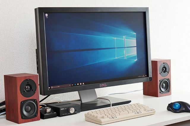 試聴環境。USB DACにはフォステクスの「PC100USB-HR2」を使用している