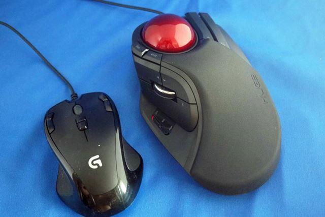 通常のマウスと比較すると一目瞭然! すごい大きいです!