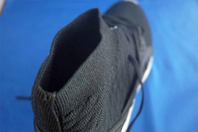 足を入れる部分ですが、靴下みたいですよね