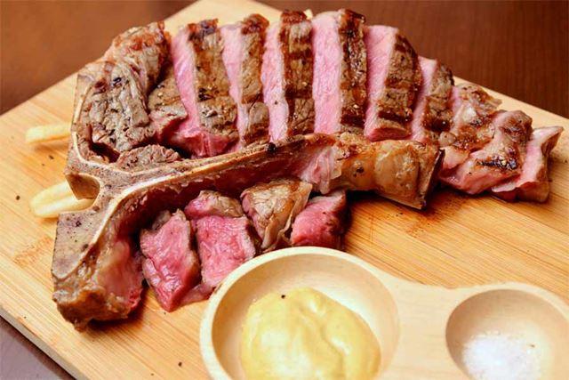 アンガス牛のTボーンステーキ 5,940円