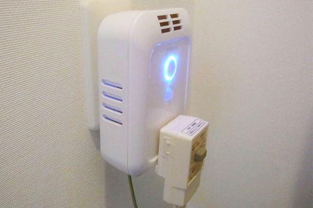 表面にはコンセントがあるので、シャワートイレなどほかの電化製品と一緒に使うことができます
