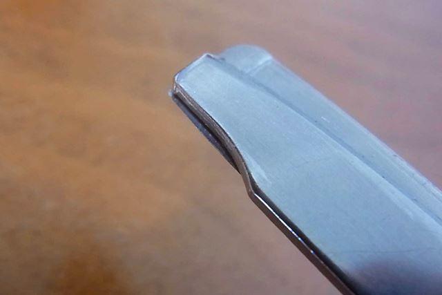 通常は刃がありませんが、「ハコアケモード」では先端部分に最大1mmの刃が出てきます