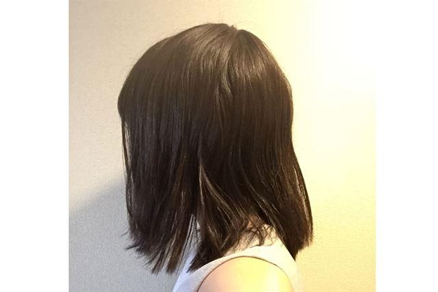 5日目:頭皮付近のうねりも多少改善されています。内側の毛がまだ波打っていますが