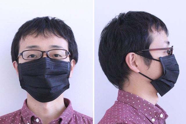 怪しさ満載。黒のマスクをナチュラルに取り入れるのは、なかなか難易度が高いかもしれません