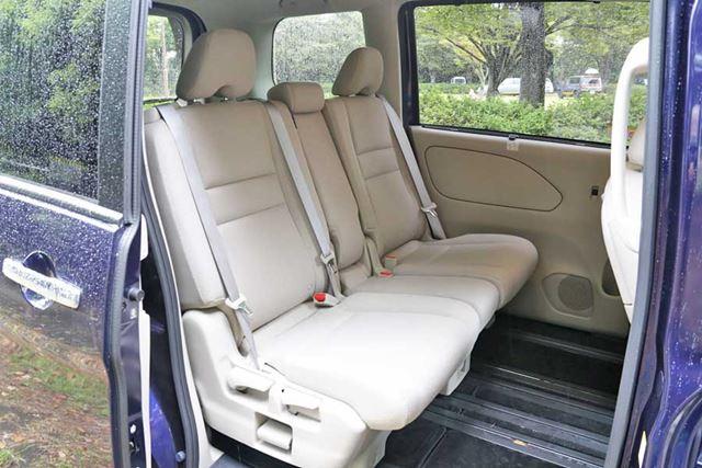 セレナの1、2列目シート。3列目シートと同様に、快適な座り心地を提供してくれる
