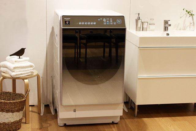 ハーフミラーガラストップはグラデーション印刷を施すことで、圧迫感を軽減