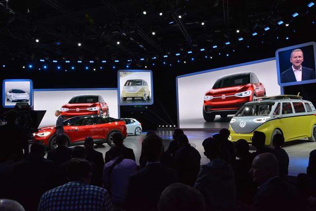 ハッチバックの「I.D.」、ミニバンの「I.D.BUZZ」など、EVのコンセプトカーを多数展示していた