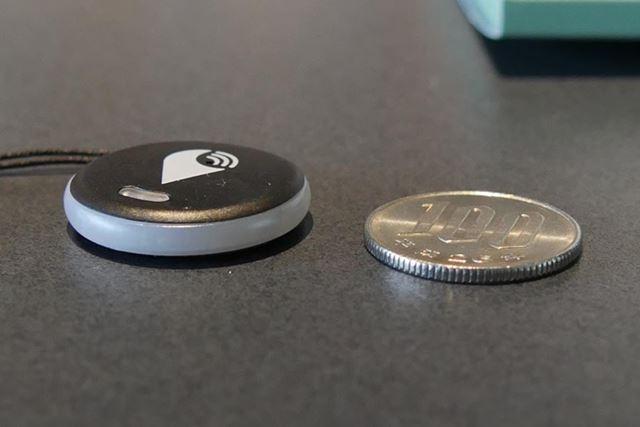 100円硬貨3枚分くらいの厚みだが、コインケースに入れてもじゃまにならない