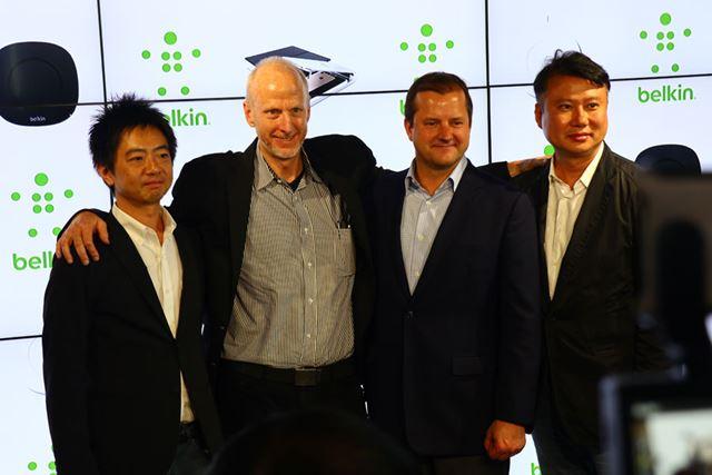 左から2番目がベルキンの創業者であるチェット・ピプキンCEO、一番左がベルキンジャパンの石井氏