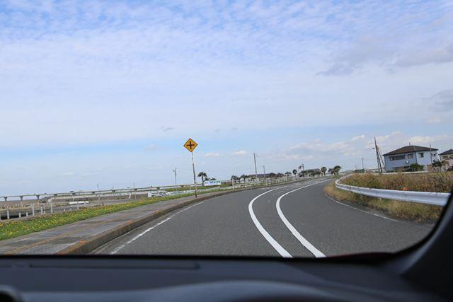 トヨタ「C-HR」試乗イメージ
