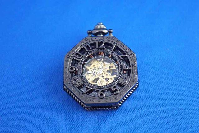 SIBOSUN 八角形 懐中時計。ゴシック調な懐中時計です