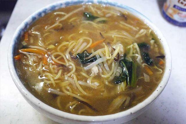 コクとうま味のあるスープとたくさんの野菜が満腹感を与えてくれる至福の一杯