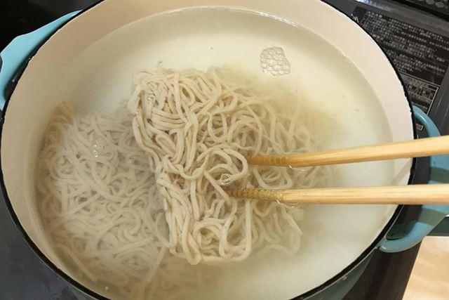 我が家には電子レンジがないのでもっぱら鍋を使用しましたが、レンジがあればもっと楽だと思います
