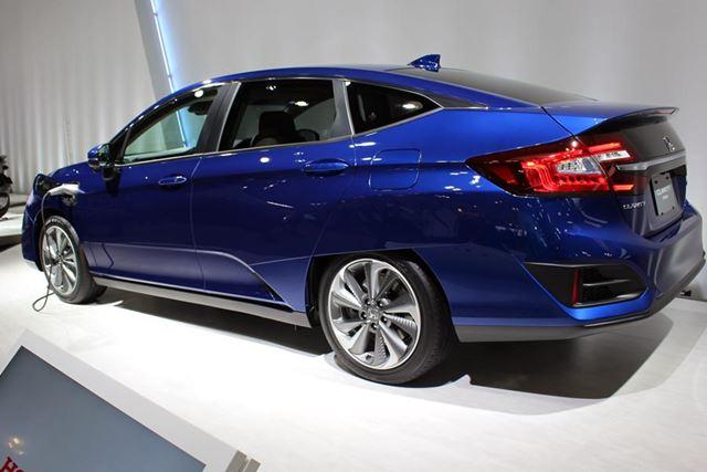 燃料電池車「クラリティ」のプラグインハイブリッド版「CLARITY PHEV」。こちらも市販される予定