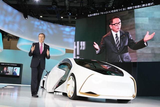 東京モーターショー2017のトヨタ プレスブリーフィングに登壇したトヨタのディディエ・ルロワ副社長