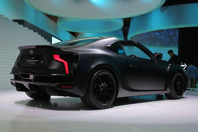 トヨタがWEC(世界耐久選手権)で戦うレースカーを想起させるデザインの「GR HV SPORTS concept」