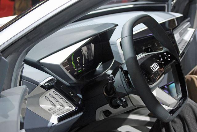 「Audi Elaine」のインテリア、手書き文字入力対応ディスプレイを備えるなど、自動車としては面白い試みも