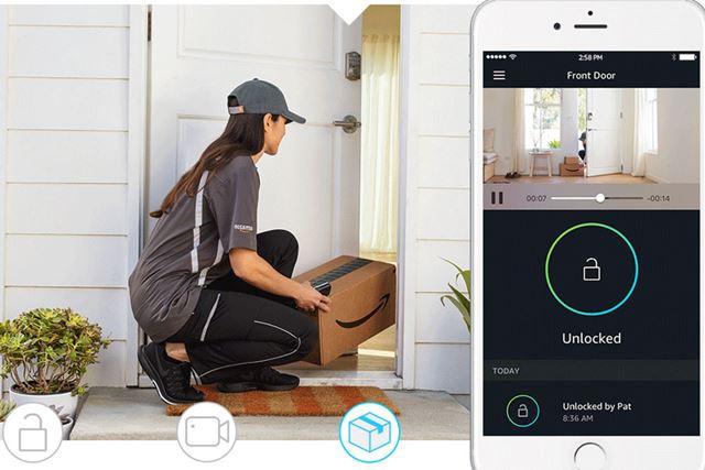 「Amazon Key」は、配達員がみずからカギを開けて家の中に荷物を届けるサービス